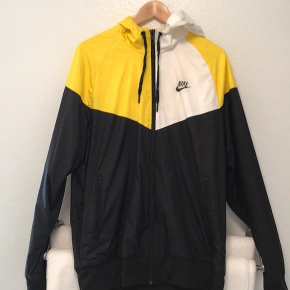 22b2fc6a8f Nike Jacket Black Yellow White Jacket Size  Large.  M 5b512b53f41452ac520352e0